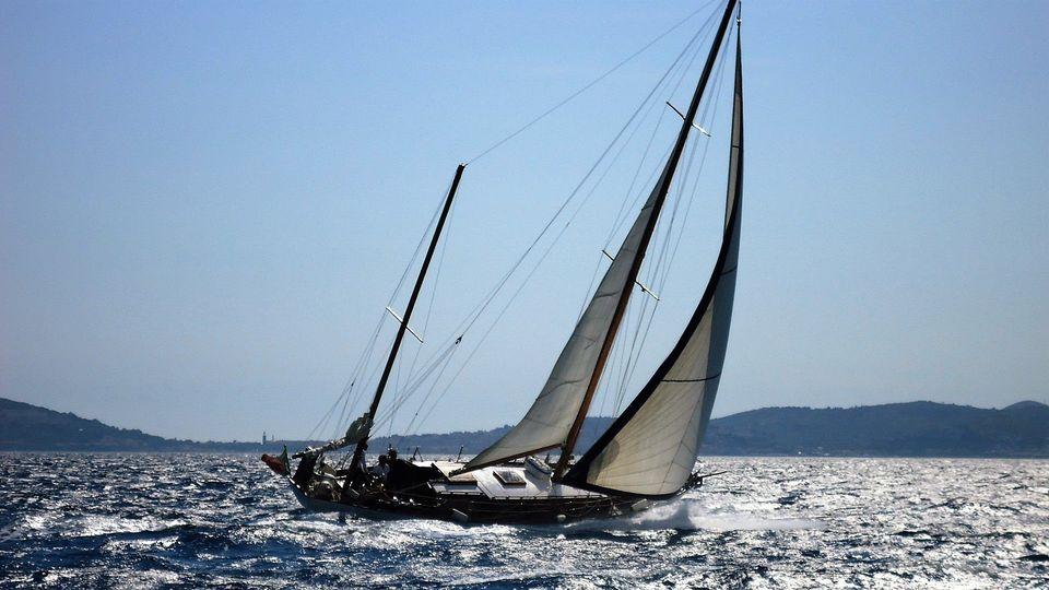27  agosto - 10 settembre Giro della Corsica: raduno barche d'epoca