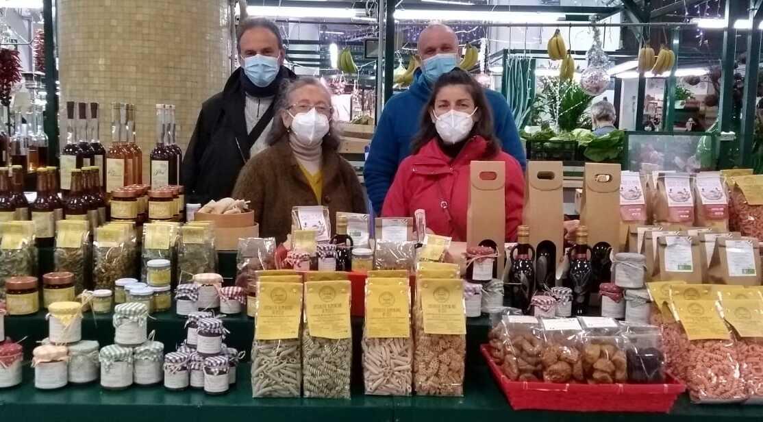 Sfida alla crisi, una rete di produttori della Sabina apre un banco al mercato Trieste - Trieste-Salario